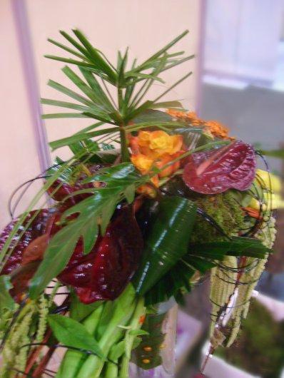 Olympiades des métiers 2012: Bouquet croissant, évalué dans le vase tube (1m/ 15cm)