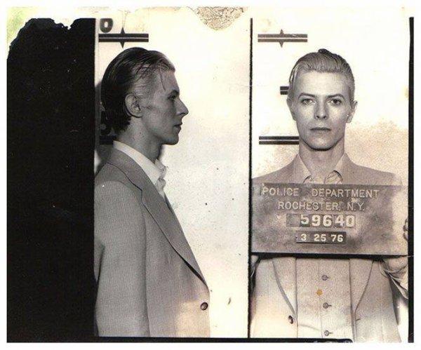 David Bowie  – 1976