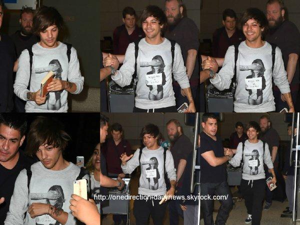 3 mai 2015 : Louis et Liam ont été vus alors qu'ils arrivaient à l'aéroport de Los Angeles