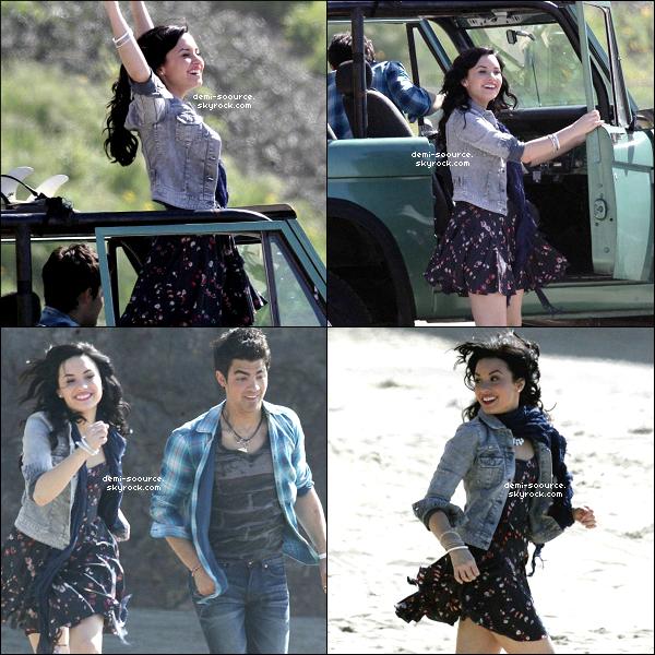 """*  15.02.2010 : Demi & Joe Jonas tournaient le clip """"Make a wave"""" sur une plage à Malibu. *"""