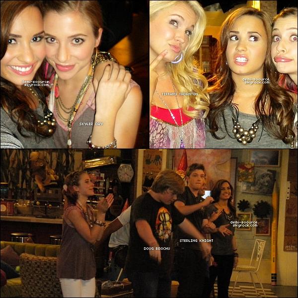 * Découvre des photos du tournage du dernier épisode de la saison 2 de « Sonny with a chance ».   *