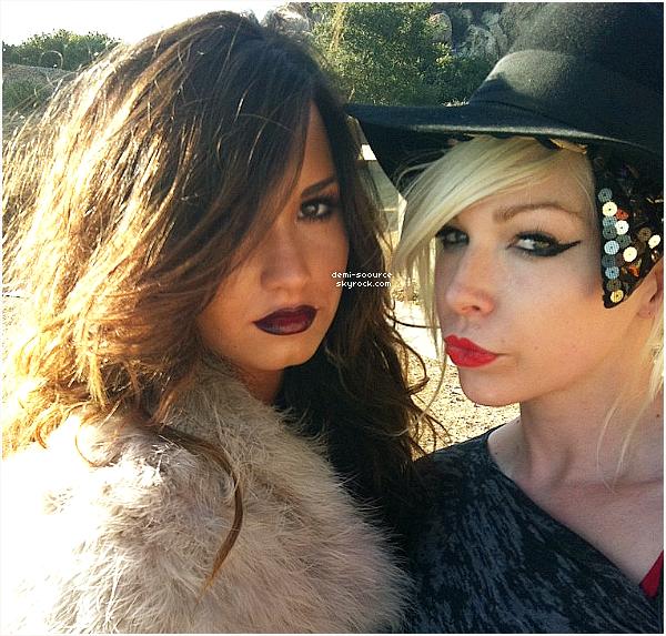 * 09.08.2011 : Demi Lovato a tourné le photoshoot pour son album.  *