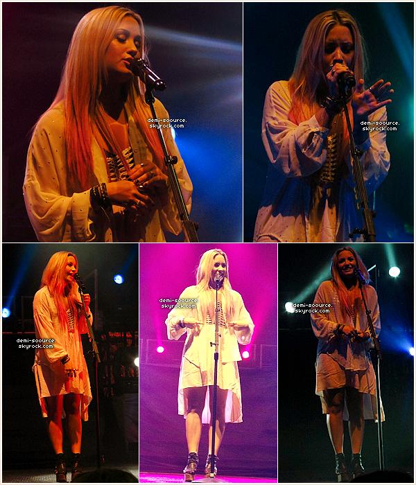 * 15.07.2012 : Demi Lovato a donné un concert à Bakersfield. (Californie)  *