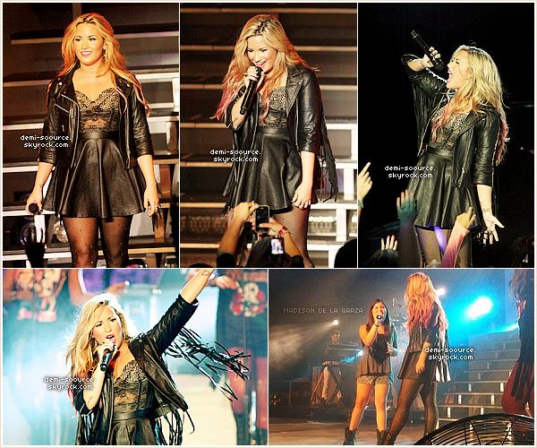 * 18.07.2012 : Demi Lovato s'est produite au Greek Theater, à Los Angeles. (Californie)   Nick Jonas l'a accompagnée sur Don't Forget et Catch me, et Madison est montée sur scène durant Together.  *