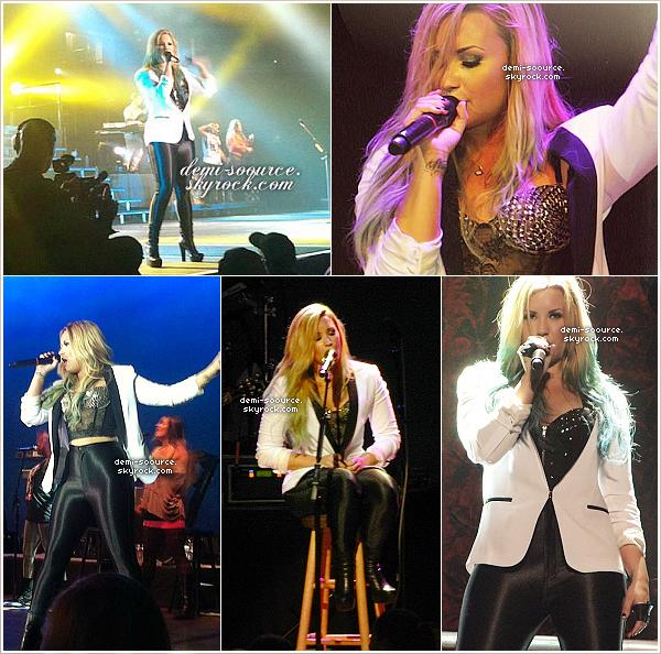 * 04.08.2012 : Demi Lovato s'est produite à Highland Park. (Illinois)  *
