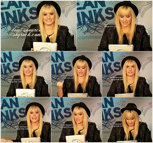 * 11.10.2012 : Demi Lovato a été vue se rendant dans un bâtiment, à New York. *