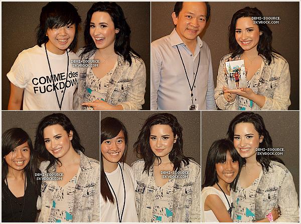 *  18.03.2013 : Demi Lovato a entamé sa tournée en Asie, à Singapour.       *