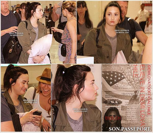 *  19.03.2013 : Demi a été vue arrivant à l'aéroport de Manille. (Philippines)     Après Singapour, c'est à Manille qu'un concert est prévu dans le cadre de sa tournée, le 20/03.    *