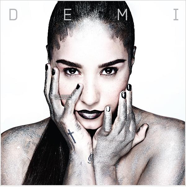 *   Le nouvel album de Demi Lovato, « DEMI », sortira le 14 mai prochain !   Il sera disponible sur iTunes France, en pré-commande, dès le 9 avril.________________    *
