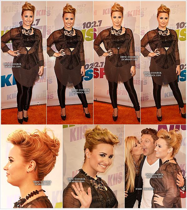 *11.05.2013 : Demi était présente au festival Wango Tango organisé par la radio Kiis-FM. (CA)     *