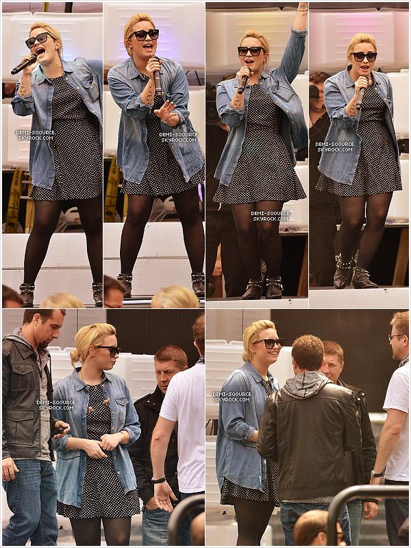 *16.06.2013 : Demi a assisté aux MuchMusic Video Awards à Toronto. (Canada)   Elle a interprété deux titres et a remporté un prix (sur 2 nominations) pour son clip Heart Attack. *