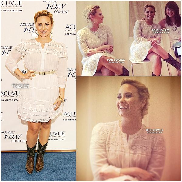 *09.07.2013 : Demi a assisté à un event dans le cadre du concours Acuvue 1-DAY. (CA)   *