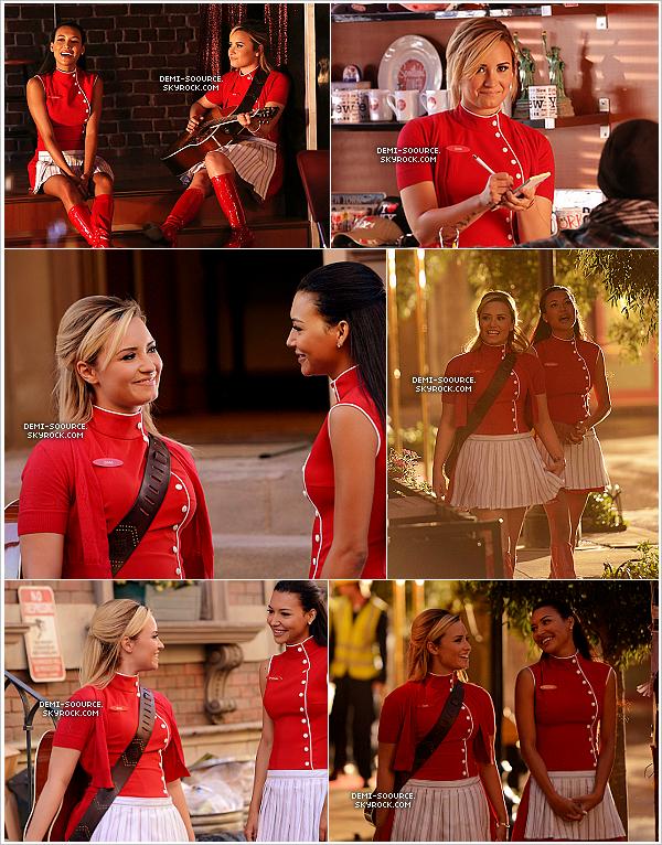 *Découvrez les stills de l'épisode 5x02 de Glee & le duo Demi/Naya Rivera..  ____________________Diffusion de cet épisode le 3 octobre aux USA.         *