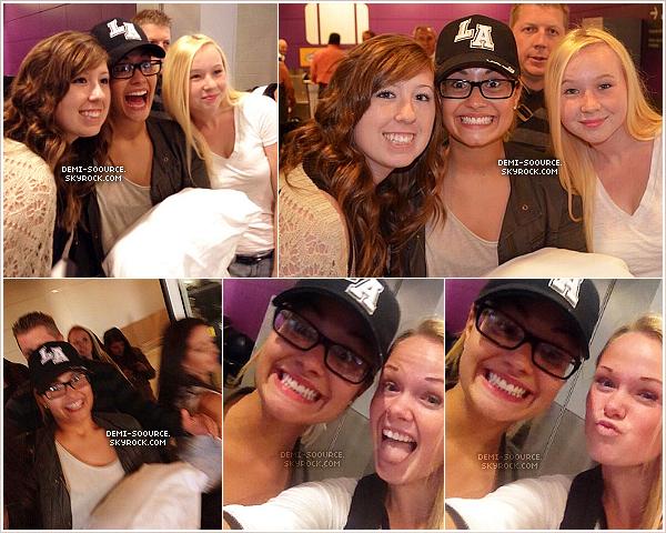 *18.09.2013 : Demi a rencontré des fans alors qu'elle arrivait à l'aéroport de Toronto. (Canada)  Elle participera à l'event WE DAY le 20 septembre, en partenariat avec l'association Free The Children avec laquelle elle est partie au Kenya cet été. *