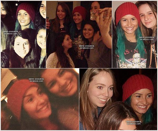 *12.10.2013 : Demi Lovato a été vue arrivant à l'aéroport de Sao Paulo. (Brésil) Il lui aura fallu du temps pour quitter les lieux car les fans hystériques l'empêchaient de sortir. *