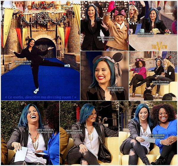 *18.11.2013 : Demi a co-présenté l'émission The View, à Disneyland. (CA) *