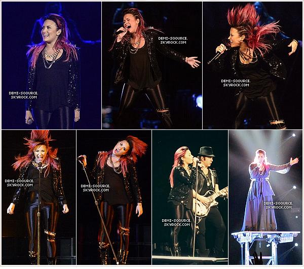 *  23.02.2014 : Demi a rencontré des fans, et a visité l'hopital Levine, à Charlotte. (Caroline du Nord)   *
