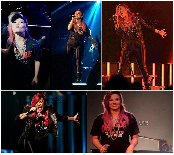 *  26.02.2014 : Le Neon Lights Tour s'est poursuivi à Tampa. (Floride)   *
