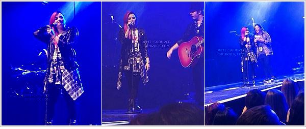 * Demi Lovato s'est faite un sidecut ! Elle a posté des photos sur Twitter, le 04/03.   *