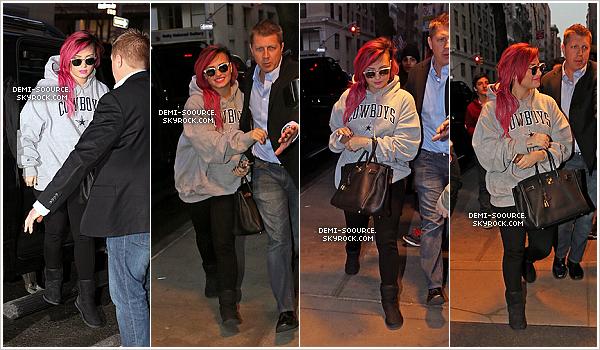 *  10.03.2014 : Demi était invitée dans l'émission The Tonight Show with Jimmy Fallon. (NYC)     Il était prévu qu'elle y chante Neon Lights, mais sa performance a été annulée puisqu'elle est toujours malade. *
