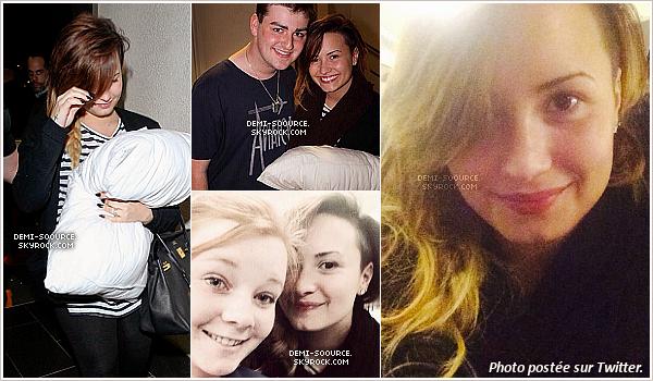 *  19.04.2014 : Demi et sa famille, arrivant à l'aéroport de Los Angeles.   Direction Sao Paulo au Brésil pour la deuxième partie du Neon Lights Tour !   *
