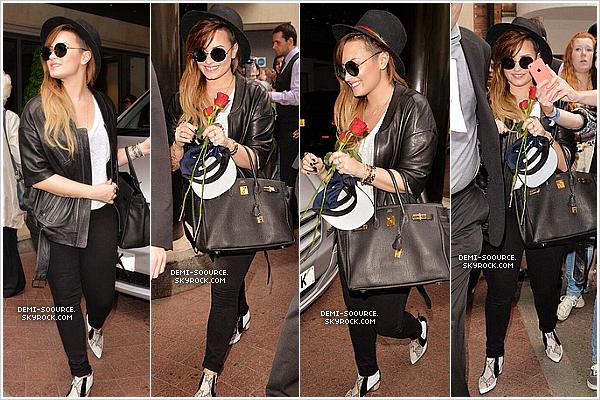*  01.06.2014 : Dans l'après-midi, elle a été vue quittant son hôtel. (Londres) *