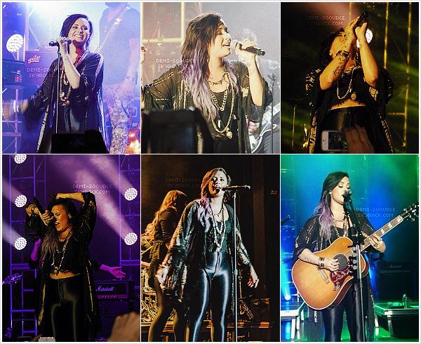*Le 18 juillet 2014, Demi a donné un concert organisé par PopTarts, à Dallas. (TX)   *