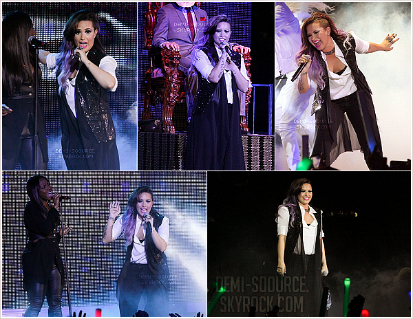 *Le 29 juin 2014, Demi a performé à la gay pride de New York.   *