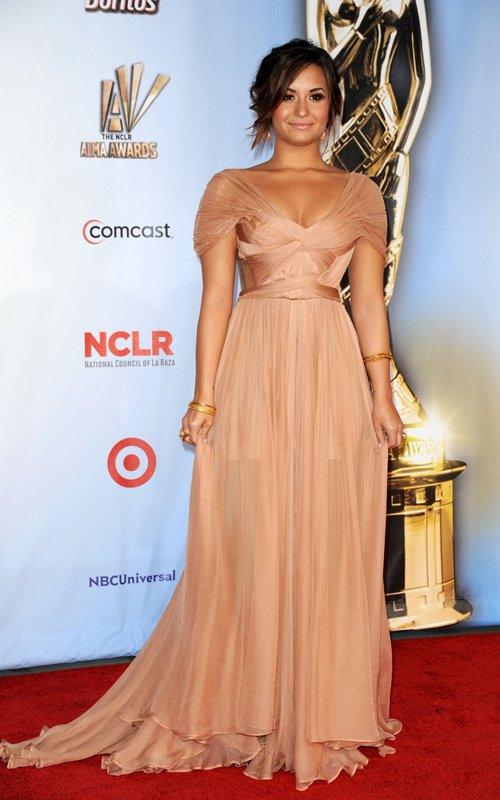 Demi Lovato , Jessica Alba et Eva Longoria au ALMA awards .