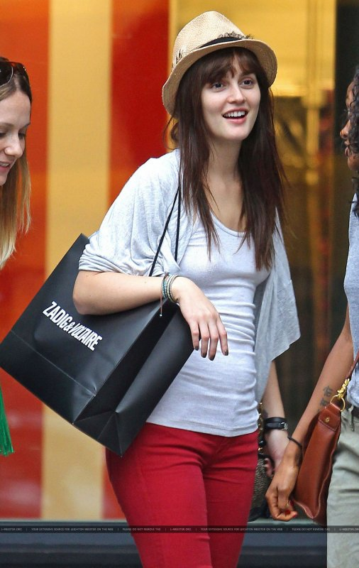 Leighton Meester faisant du shopping à West Village .