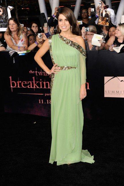 Ashley Greene et Nikki Reed à la première de The Twilight Saga: Breaking Dawn part 1 .