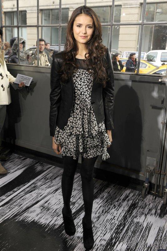 Le 12 février Nina Dobrev était au défilé Automne 2012 de DKNY