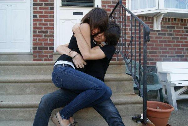 J'ai tellement envie que te serrer dans mes bras, ne plus te lâcher & rester avec toi à jamais :$