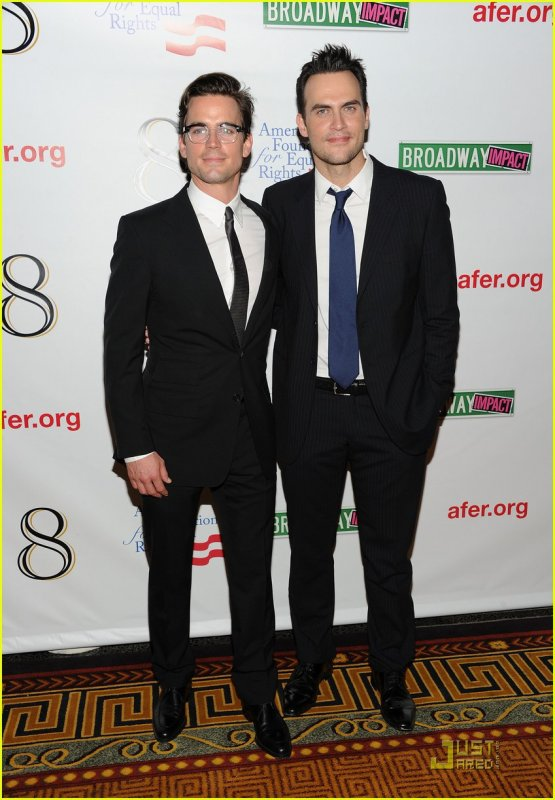 "Matt en compagnie de Cheyenne Jackson à l'After Party de ""8"""