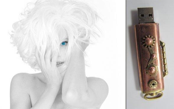 Une clé USB décorée a été envoyée en 48 exemplaires à la presse pour annoncer le retour sur scène de Mylène Farmer, à la rentrée prochaine. Un nouvel album, une nouvelle tournée... Elle sera à Douai les 20 et 22 novembre 2013.