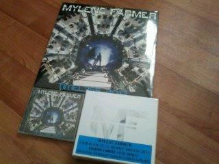 C'est aujourd'hui lundi 09 décembre 2013 la date de sortie officielle du sixième album live de Mylène, Timeless 2013.