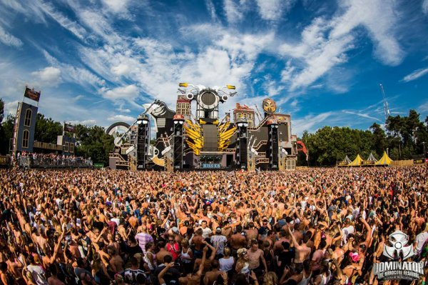 Noize Suppressor & Angerfist @ Dominator 2015 - Riders of Retaliation / Hellsystem Ft. MC B-Kicker - The Mission