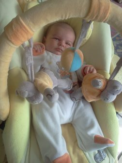 le plus beau des bebe a 1 mois :)