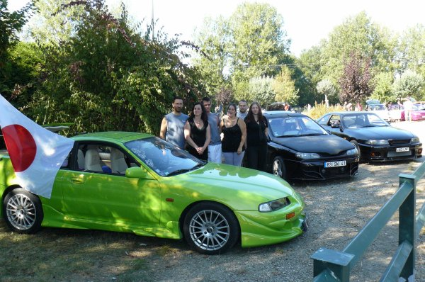 les personnes du club avec leur voitures