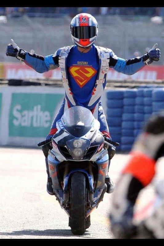 Et oui superman a aussi une moto :) !