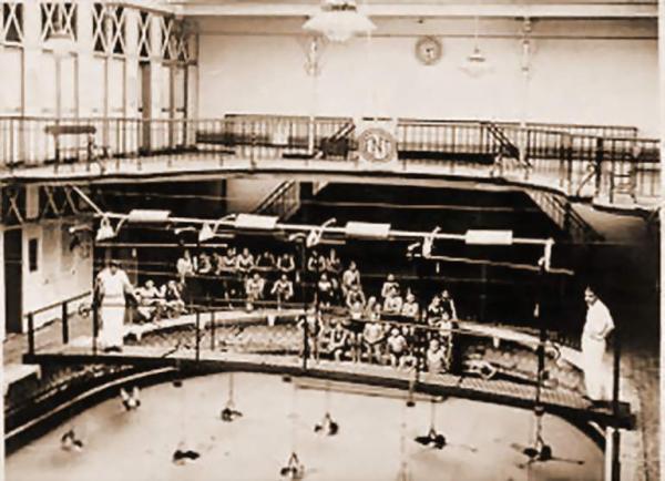 l ancienne piscine 1