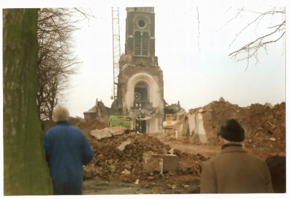 Eglise Saint Joseph à la Croix Rouge pendant sa démolition