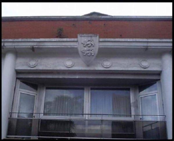 Cinéma Le Normandy façade haute le logement