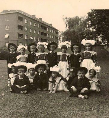 fête de l'école maternelle Pierre Brossolette année 63