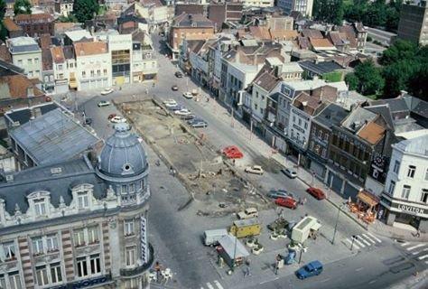 en 1985 on commence des fouilles grand place