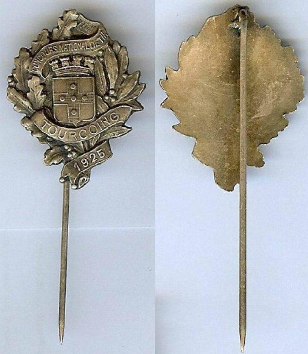 diverses medailles et pins de tourcoing 5