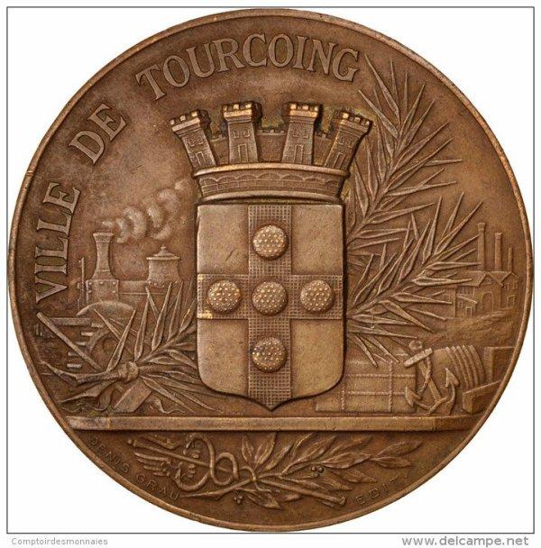 diverses medailles et pins de tourcoing 6