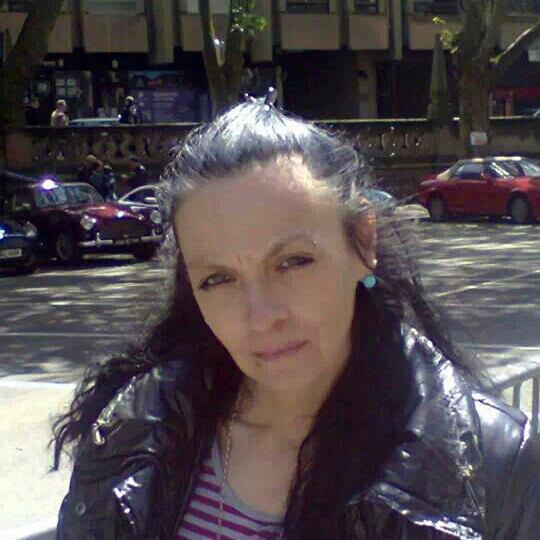 Vous pouvez me retrouver sur mon fb Christine lorenzo lucenzo pour ceux kil me parler bisous à vous tous