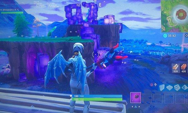 Cube, l'île flottante
