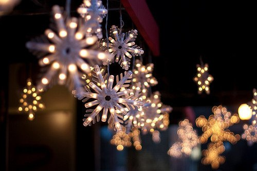 Xmas time give you lights you need to see the beauty in everything...